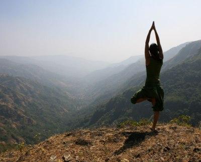 O que é Karma Yoga E qual sua relação com o Hatha Yoga-rio de janeiro
