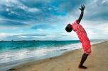 yoga na africa na praia