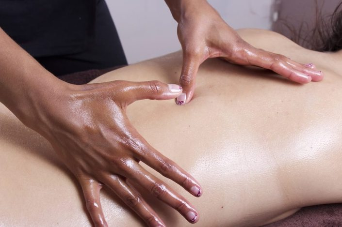 Dica | Automassagem dos marmas, aromaterapia e cura prânica