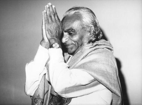 pranayama-velhice-iyengar-sobre-morte