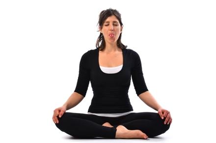 como-fazer-shitali-pranayama-iniciantes-online-yoga