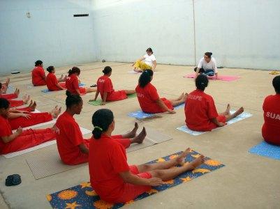 detentas-participam-de-aulas-de-yoga-em-presidio-na-cidade-de-patrocinio