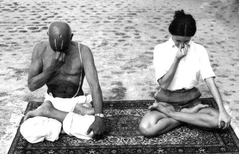krishnamacharya-pranayama-poder-respiração-melhor-exercicio-yoga