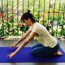 balasana-meio-yoga-para-tpm-iniciantes
