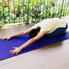 balasana-yoga-para-tpm-iniciantes