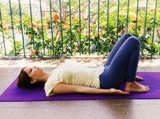 base-setuasana-yoga-para-tpm-iniciantes