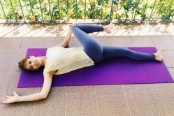parivritaa-pavana-muktasana-yoga-para-tpm-iniciantes