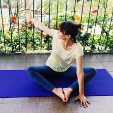 principal-torcao-baddhakonasana-yoga-para-tpm-iniciantes