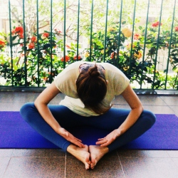 relaxamento-baddhakonasana-yoga-para-tpm-iniciantes