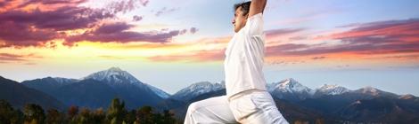 yoga-no-dia-a-dia-visao-objetiva-nao-exclui-sonhos-yoga-pes-chao
