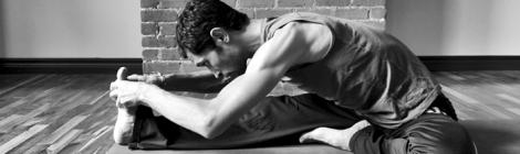 dicas-de-ajustes-janushirshasana-yoga-em-casa