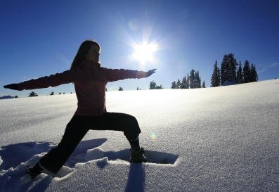 virabhadrasana-ii-inverno-yoga-e-as-estacoes.jpg