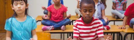 O poder do yoga e da meditação no âmbito escolar